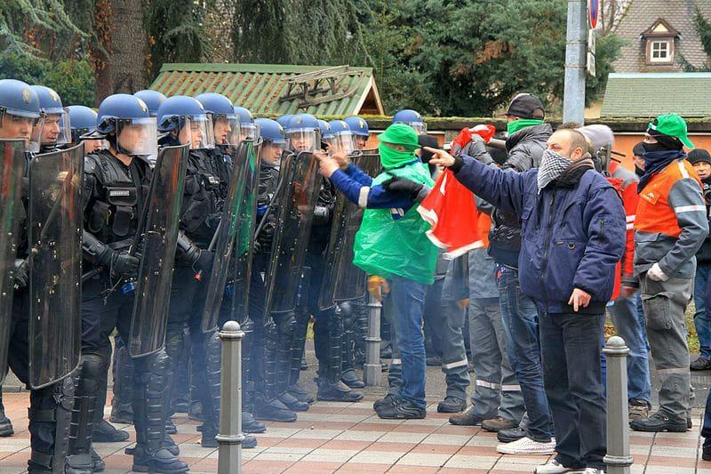 Escadron de la Gendarmerie Mobile à une manifestation