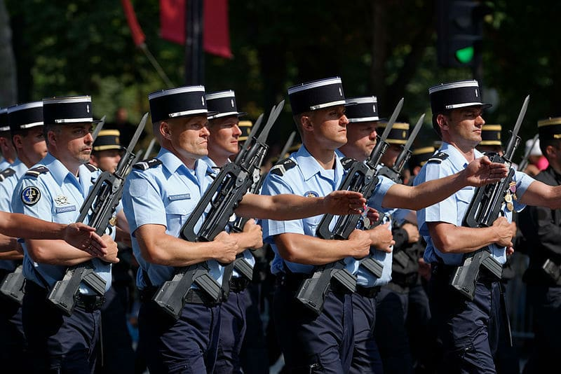 La gendarmerie nationale 2018 histoire missions for Porte french to english