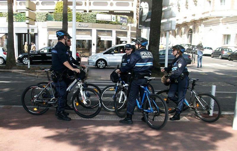 Policiers municipaux à vélo
