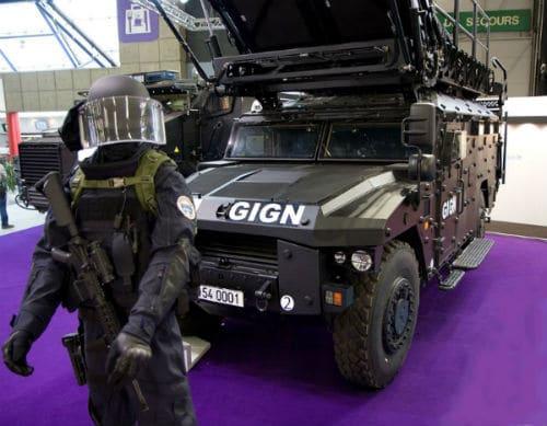 Equipement et véhicule du GIGN