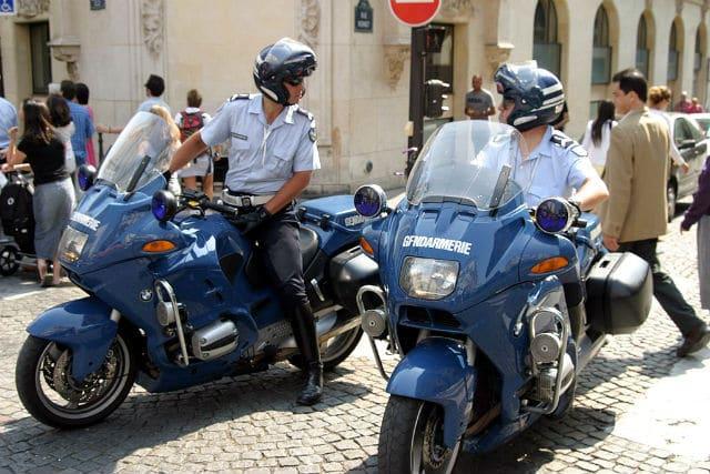 Devenir motard dans la gendarmerie 2018 missions - Grille salaire sous officier gendarmerie ...
